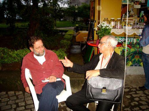 Manoel em diálogo com o escritor Eric Nepomuceno,  tradutor vários autores hispano-americanos