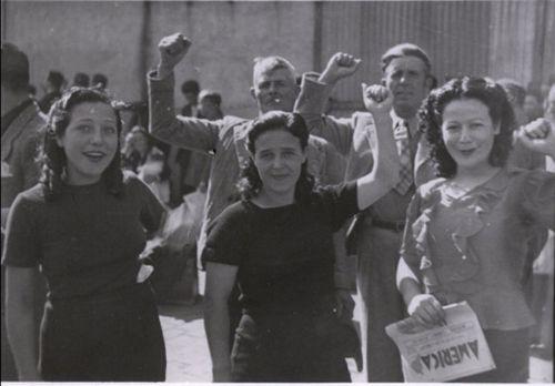 7.Grupo de mulheres que viajaram no Winnipeg. Naquele momento, Chile necessitava de mão de obra e a maioria dos passageiros do Winnipeg, por pedido expresso do presidente Aguirre Cerda, eram trabalhadores especializados, não intelectuais. (Foto: Biblioteca Nacional do Chile).