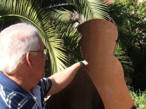 Despeço-me de Neruda, em sua praça de La Sebastiana, já a fazer planos para a visita a Isla Negra.